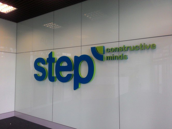 Интерьерная вывеска для компании «STEP»